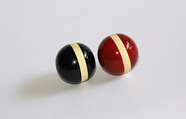 Ball Shakers - Thasvi toys made of natural wood painted in safe colors